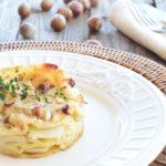 Lasagne con topinambur e briciole di salsiccia