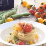 SpaghettOne con gamberi favette e pomodorini gialli