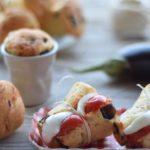 Babà salati con melanzane e primosale