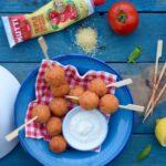 Polpettine di cous cous con pomodori e feta