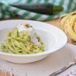 Tagliatelle Bio con crema di zucchine e stracciatella