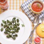Gnocchi ai tenerumi con salsa di datterini e feta