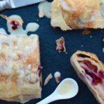 Strudel di frutta estiva con salsa alla vaniglia